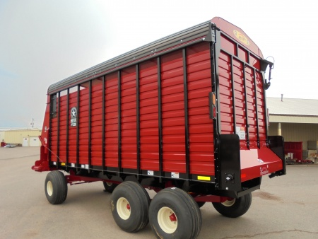 RT200 Front & Rear Unload Forage Box