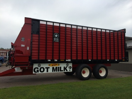 RTX200 Front & Rear Unload Forage Box