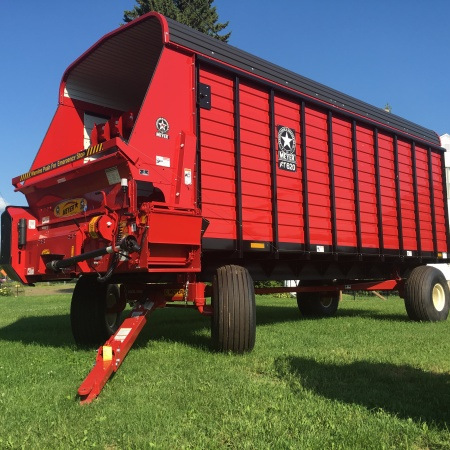 RT600 Front Unload Forage Box